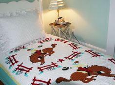 Cowboy Quilt in White/Aqua/Red