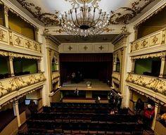 Primul teatru din România - Teatrul Vechi Mihai Eminescu din Oraviţa