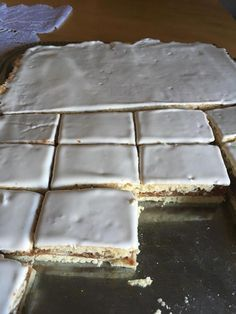A mai sütésem: Magdolna szelet – Olcsó és nagyon finom! Lady Fingers Recipe, Hungarian Recipes, Hungarian Food, Winter Food, Cake Cookies, Sweet Recipes, Oreo, Food Porn, Food And Drink