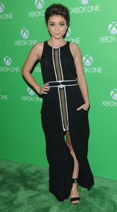 Sarah Hyland has a brand new Xbox One and lovely tits | Moviepilot