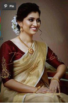 Kerala Saree Blouse Designs, Wedding Saree Blouse Designs, Saree Blouse Neck Designs, Simple Blouse Designs, Stylish Blouse Design, Saree Blouse Patterns, Wedding Sarees, Cotton Saree Designs, Bridal Sari