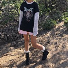 Indie Outfits, Edgy Outfits, Grunge Outfits, Cool Outfits, Fashion Outfits, Fashion Tips, 2000s Fashion, Grunge Fashion, Ladies Fashion