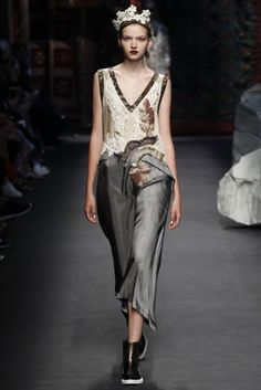 http://www.vogue.co.uk/shows/spring-summer-2016-ready-to-wear/antonio-marras/collection/