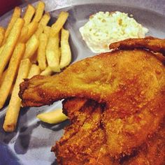 1/2 Spring Chicken @ Arnold's Fried Chicken Singapore (@chevylokzy)
