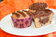 Cafe Mocha Chip-Filled Amish Friendship Bread Cupcakes