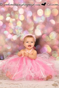 Love this idea for a pretty in pink birthday picture!