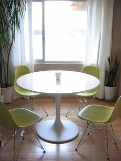 basic mid-century dining set