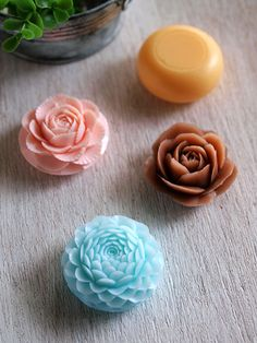 soap carving. carved by Miho Morita.