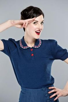 The bowling night knit top. Navy / white, red