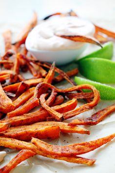 Love sweet potato fries and the lime dip will add a zing ! Smoked Paprika Sweet Potato Fries with Spicy Lime Dipping Sauce Real Food Recipes, Vegetarian Recipes, Cooking Recipes, Yummy Food, Healthy Recipes, Tasty, Smoked Paprika, Side Dish Recipes, Food Inspiration