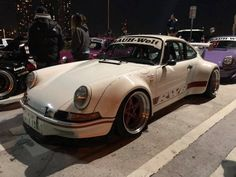 RWB at Tarumi parking Rauh Welt, Porsche 930, Wide Body, Modified Cars, Dream Garage, Future Car, Vroom Vroom, Motorcycle, Pure Products