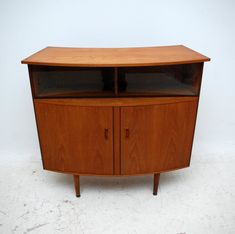 Vintage Bar Furniture for the Home Bar - http://homebar.bluelotuseugene.com/vintage-bar-furniture-for-the-home-bar/ : #BarFurniture, #Uncategorized Not all people have the opportunity to have a bar at home. However, if you're one of the lucky few who do, you may be looking for vintage bar furniture. There are lots of items available, just pick the ones that are suitable for the style of your home. In case you are looking for vintage...