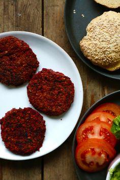 roedbedeboeffer-opskrift-paa-veganske-burgerboeffer-1-1