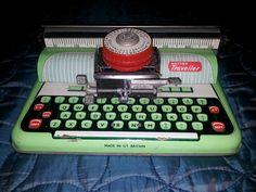 VINTAGE METTOY TRAVELLER TINPLATE CHILDS TYPE WRITER | eBay