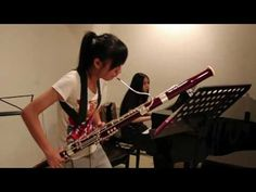 Bumble Bee on bassoon...anyone playing this is amazing, but some instruments just impress the hell out of me, and this is one of them.