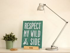 Tabla De Madera Decorativa Woody Wild M Woody, Miss Wood, Lettering, Home Decor, Drawing, Shopping, Frases, Wooden Boards, Mappa Mundi
