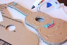 Guitarra de Papelão Passo a Passo com Molde