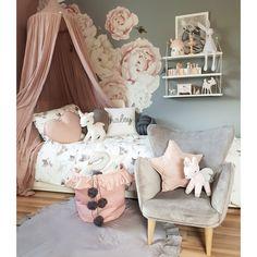 Stylowe meble i dodatki do pokoju dziewczynki. Tysiące produktów pod jednym adresem. Zapraszamy! Baby Room, Kids Room, Toddler Bed, Furniture, Design, Home Decor, Interiors, Diy, Child Bed