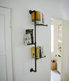 Industrial pipe bookshelf with antique knobs by Dirty Bils Eclectic Interiors. Pipe Bookshelf, Bookshelf Design, Bookshelf Ideas, Shelving Ideas, Storage Ideas, Creative Bookshelves, Shelving Units, Easy Diy Projects, Home Projects