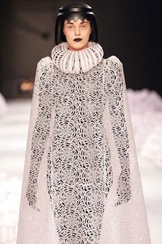 Fashion Link: Paper Fashion  Jum Nakao I