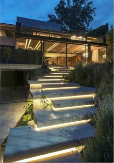 Find Out: 15 Modern Garden Stairs Ideas Bring Perfection Obviously Modern Landscaping, Backyard Landscaping, Landscaping Ideas, Exterior Lighting, Outdoor Lighting, Garden Stairs, Porch Stairs, House Stairs, Outside Stairs