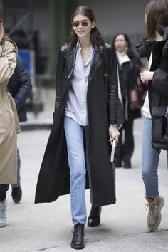 All of the street style inspiration you need from Paris Fashion Week Model Street Style, Street Style Trends, Street Style Looks, Street Style Women, Street Styles, Cool Street Fashion, Paris Fashion, Winter Fashion, Moda Paris
