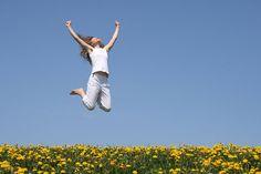 """""""Tô feliz , hoje estou de bem, levantei mais cedo pra comemorar,meu amor, mais um dia! Tanto sol me acordou..."""