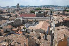 Gard : Les toits de Nîmes