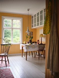 Eternal Sunshine, River Bank, Shaker Style, Old Houses, Rum, Kitchen Island, Villa, New Homes, House Ideas