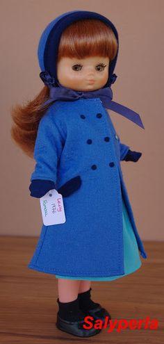 Desde siempre Lesly fue mi preferida de las dos hermanitas de Famosa, así que yo la tenía a ella y mi hermana mediana tenía a Nancy. Todaví... Nancy Doll, Pretty Dolls, Diy And Crafts, Summer Dresses, Clothes, Vintage, Fashion, Antique Toys, Templates