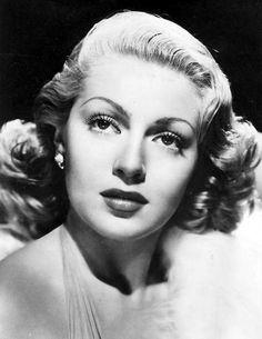 Lana Turner...I just love these glamorous old Hollywood photos!  I want one....