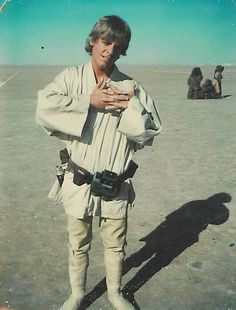 "Mark Hamill on Twitter: ""Taken in Tunisia early morning Day #1 waiting for my 1st shot (emerging from home for robot auction)-Perhaps the very 1st #LukePic #SW https://t.co/WMCGnWCotP"""