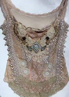 lace and shabby chic Boho Gypsy, Gypsy Style, Hippie Boho, Bohemian Style, Boho Chic, Moda Vintage, Vintage Lace, Boho Outfits, Vintage Outfits
