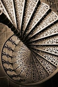 Stunning depictions of Staircases - Part 4 -Pretty spiral staircase.