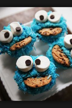 """""""Cute anytime holiday cupcakes great for a 1-5 years old kid,"""" the previous pinner said. No, I'm a teen and I love them."""