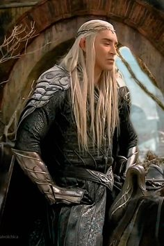 Lee Pace in The Hobbit behind the scenes The Hobbit Thranduil, Lee Pace Thranduil, Tolkien Hobbit, Legolas And Thranduil, O Hobbit, Lotr Trilogy, Elf King, The Hobbit Movies, Middle Earth