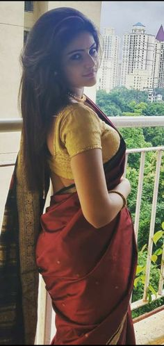Fitness, Health, Recipes, Traveling, Celebrities and Entertainment Beautiful Girl Indian, Beautiful Indian Actress, Beautiful Actresses, Simply Beautiful, Popular Actresses, Young Actresses, Indian Actresses, Dance India Dance, Golden Blouse