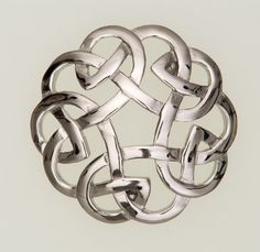 Celt Knotwork Brooch - I pinned this because I think it's beautiful & I'd love to find it someday... but unfortunately it doesn't actually link to anything.  :(