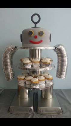 cupcake displays, robot cupcakes, cupcake display diy, cupcake stands, cupcake holders, robot cupcake stand, diy robot, birthday idea, cupcake cakes