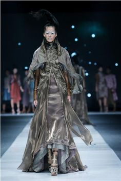 Fashion designer from Indonesia Big Fashion, Fashion Show, Fashion Design, Jakarta Fashion Week, Couture, How To Wear, Clothes, Dresses, Outfits