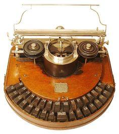 vintage+typewriter | ... photographed antique typewriters. Prints are on sale here . Via