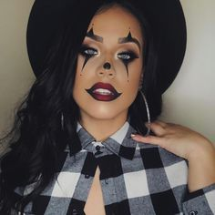 halloween costumes clown Gangster Clown with our Miami lashes on muaelly Maquillage Halloween Clown, Creepy Halloween Makeup, Halloween Makeup Looks, Cute Clown Makeup, Haloween Makeup, Scarecrow Makeup, Gangster Clown, Makeup Shack, Make Up Gesicht
