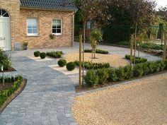 Terras Garden Deco, Garden Pool, Back Gardens, Outdoor Gardens, Dream Garden, Home And Garden, Stone Driveway, Garden Boxes, Types Of Houses