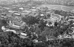 昭和11年の姫路城周辺。陸軍の施設や練兵場が見える。