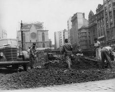 Acervo/Estadão - Obras naPraça da Sé, no Centro, em outubro de 1955