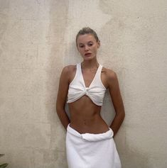 Princess Aesthetic, Bikinis, Swimwear, What To Wear, White Shorts, Style Inspiration, Fashion Outfits, Crop Tops, Clothes