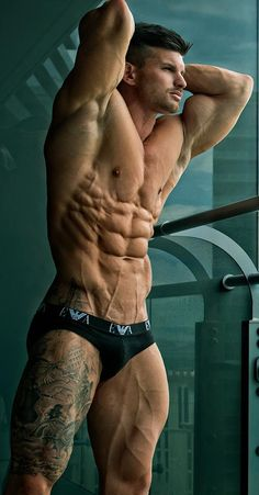 Hot ink (Tom Coleman) omg I think this man has a muscle on every inch of his body.