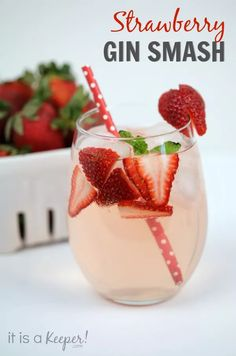 Strawberry Gin Smash - a refreshing and easy Valentine's Day cocktail recipe!