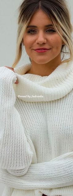 #autumn white #sweater Warm Sweaters, Girls Sweaters, Cardigans, Hello Autumn, White Fashion, Winter Wardrobe, Sweater Fashion, Sweater Weather, Knitwear