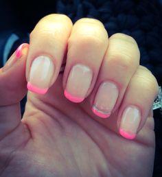 Manicura francesa en rosa fluor #fluor #nailart #frenchmanicure #pink #love